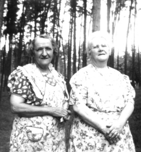 Nellie and Minnie about 1942